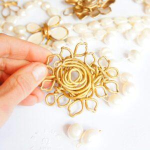 María Fraile y sus joyas hechas a mano en España